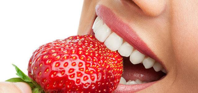 Comment avoir les dents blanches ? Astuces simples et efficaces !
